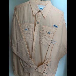 Columbia Omni Shade casual button down shirt